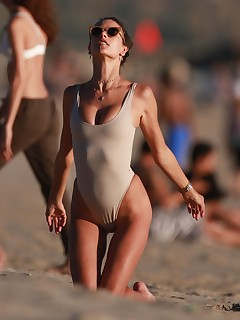 Celebrity Beach Pictures